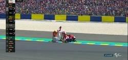Enlace a Tremenda caída de Crutchlow en el entrenamiento de Moto GP