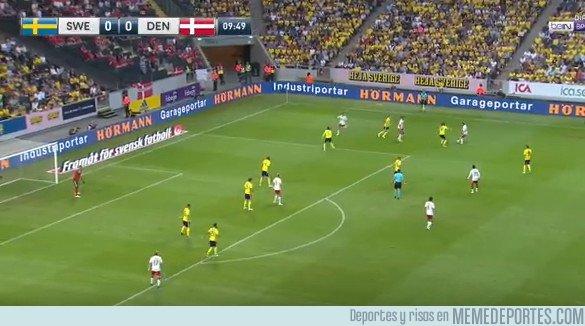 1036364 - Ayer se enfrentaron Suecia y Dinamarca en un amistoso y en el marcador se formó la palabra