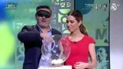 Enlace a María Gómez pone a prueba sus conocimientos de fútbol... y no se sabe ni un p*to escudo de la liga
