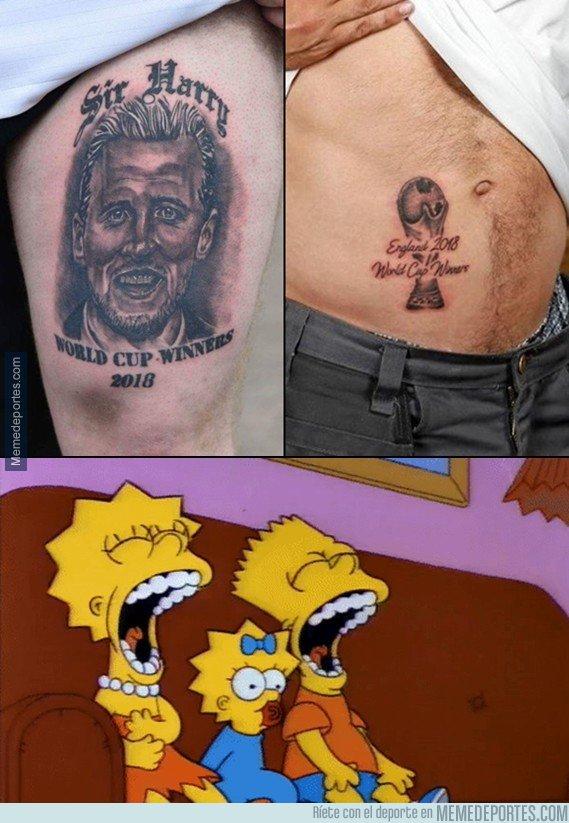 1044780 - Los ingleses que se tatuaron esto ya pueden ir ahorrando para el láser quita-tatuajes