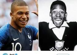 Enlace a Pelé se puso a los pies de Mbappé... y Kylian le responde con humildad