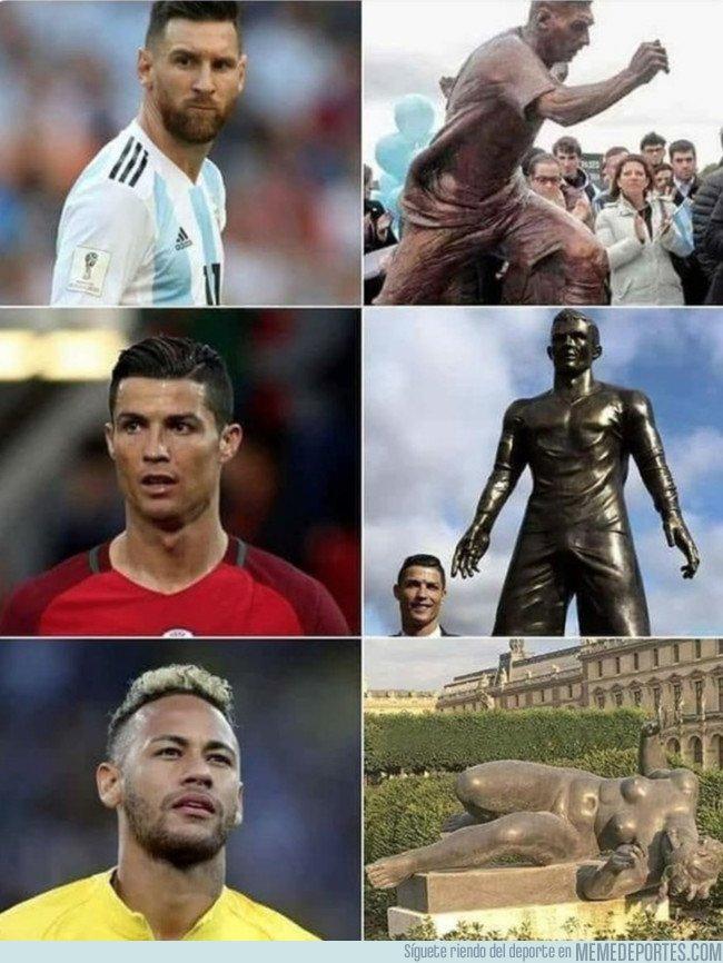 1045700 - Las esculturas de los cracks del fútbol