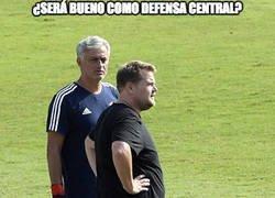 Enlace a Mourinho a la desesperada, la última opción es James Corden