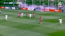 Enlace a ABUSÓN: Segundo gol de Vinicius con el Castilla