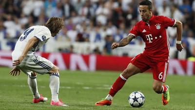 1050362 - Ejemplo de deportividad y uso del VAR como debe ser en la Bundesliga