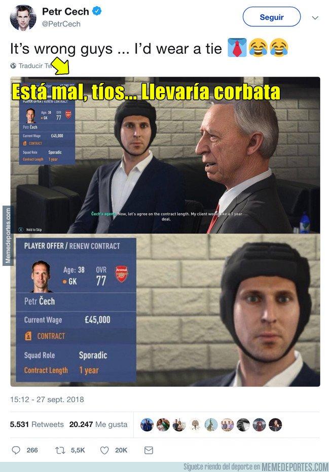 1051689 - Cech contesta a la imagen que circula del FIFA de él con el casco