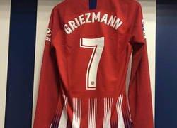 Enlace a Las nuevas botas con las que está jugando Griezmann en el Bernabéu que amarán los jugadores del Fortnite