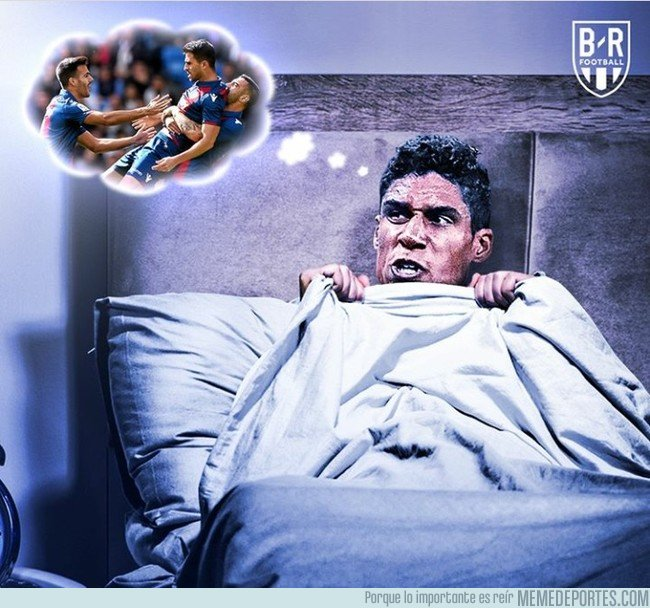 1053767 - Varane lo ha pasado mal esta noche, por @brfootball