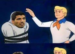 Enlace a Hoy Luis Suárez recordó a otro futbolista marcando un hack-trik en el clásico y fue a...