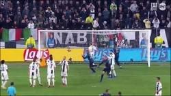 Enlace a Golazo de libre directo de Mata que ponia el empate en Turin
