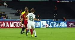 Enlace a El apoteósico regate de Claudia Pina, jugadora de la selección Sub 17 española