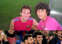 Enlace a 2011: foto con el Ídolo del primer equipo. 2018: celebrando un gol producto de su asistencia