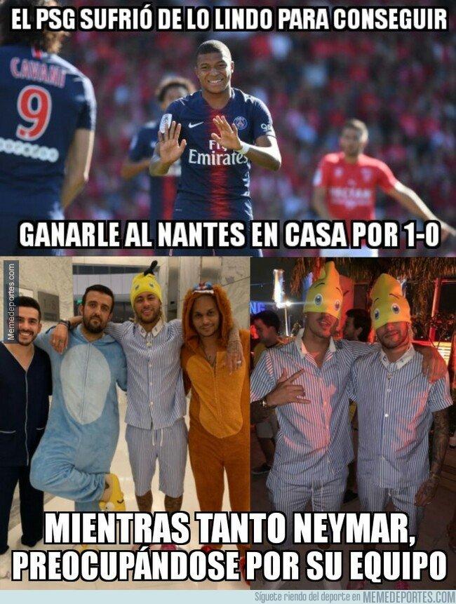 1059880 - Neymar aprovechó que el PSG le necesitaba para irse a una fiesta de disfraces