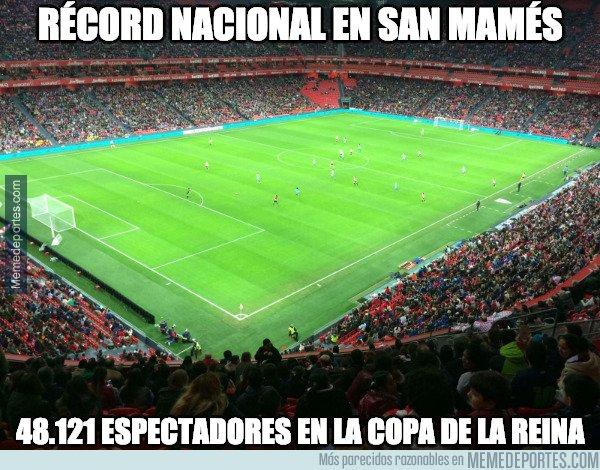 1063026 - Increíble lo del fútbol femenino entre el Athletic y Atleti en San Mamés