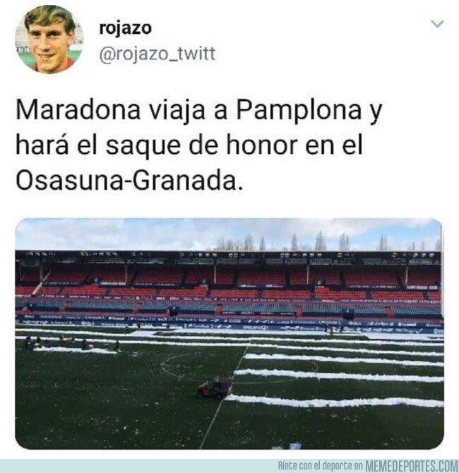 1063388 - Maradona ya está cogiendo un vuelo hacia Pamplona, por @rojazo_twitt
