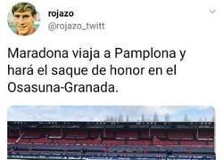 Enlace a Maradona ya está cogiendo un vuelo hacia Pamplona, por @rojazo_twitt