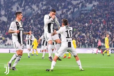 1064613 - Dybala y Cristiano han fusionado sus celebraciones y los fans de la Juve están enamorados