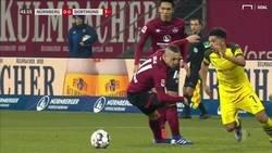 Enlace a Jadon Sancho finiquitó anoche la carrera de otro futbolista dejándolo clavado