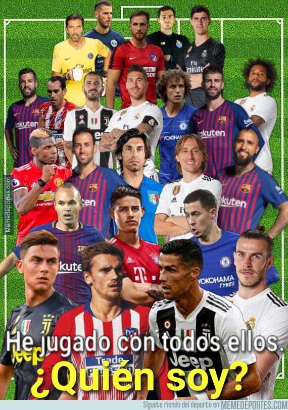 1065366 - ¿Quién es el futbolista misterioso?