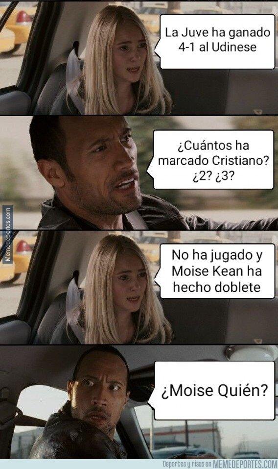 1067405 - Moise Kean hizo de Ronaldo