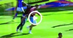Enlace a Brutal agresión de un aficionado a un jugador en la Championship inglesa