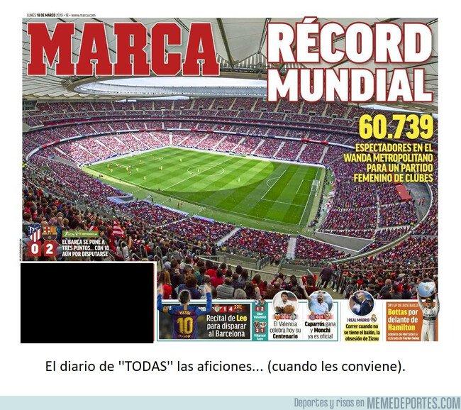 1068721 - ¿Marca...? ¿Pero esto qué es...? ¿Qué hace Messi tapando parte de la grada, tú?
