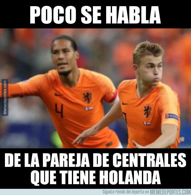1069048 - ¿Es Holanda la selección con la mejor pareja de centrales?