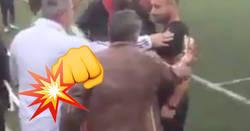 Enlace a Un árbitro está hasta los cojones de insultos y se encara a un padre de la grada
