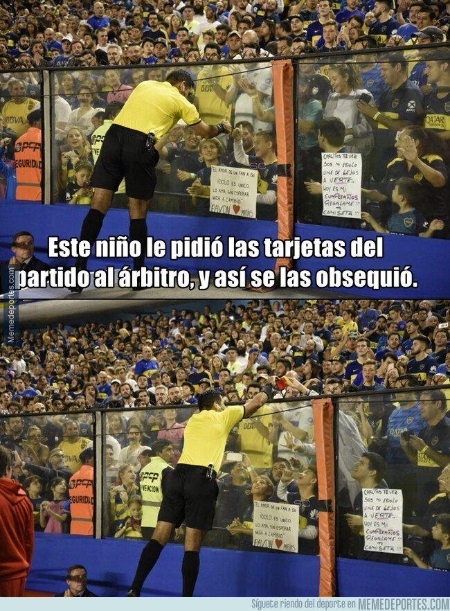 1071091 - Un mágico gesto muy poco común en el fútbol. Sucedió ayer en la Copa Libertadores.