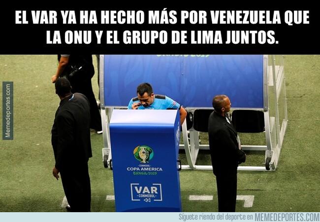 1078646 - Cinco goles ha salvado el VAR a Venezuela.