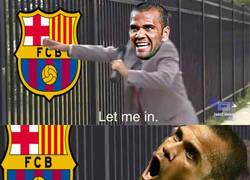 Enlace a Alves se va del PSG y se ofrece al Barcelona