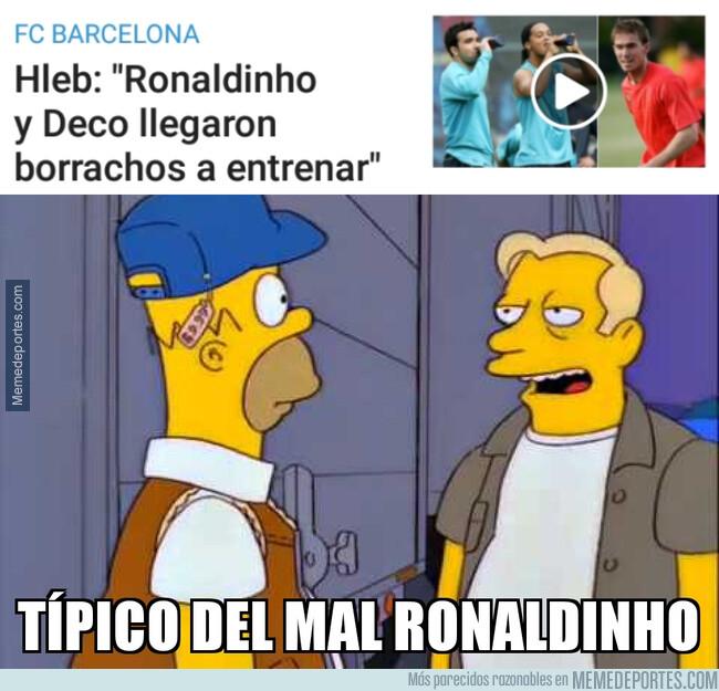 1079368 - Hleb saca los trapos sucios del final de Deco y Ronaldinho en el Barça