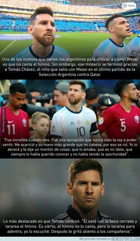 1079419 - Un niño desvela lo que hace Leo Messi durante el himno de Argentina