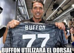 Enlace a Buffon homenajea al Parma en su vuelta a la Juve