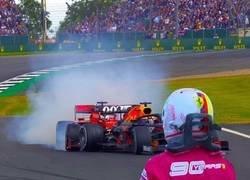 """Enlace a Vettel """"strikes"""" de nuevo"""