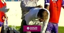 Enlace a El entrenador uruguayo que fingió una agresión cuando le golpeó una botella