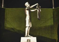 Enlace a La estatua que habrá en el Camp Nou cuando Messi se retire, por @Barzaboy