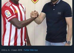 Enlace a El Almería trolea al Manchester United robándoles un fichaje que iban a hacer el último día de mercado