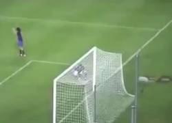 Enlace a 16 años después del primer gol de Ronaldinho, ha aparecido este vídeo tomado por un aficionado, y se ve aún más espectacular
