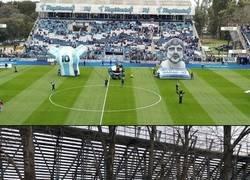 Enlace a Locura en La Plata por la presentación de Maradona
