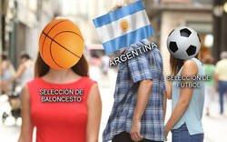 Enlace a Desde luego que Argentina está teniendo más alegrías últimamente con el baloncesto que con el fútbol...