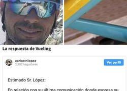 Enlace a Vueling le rompe la bicicleta a Carlos López y esto es la indignante cifra que le ha pagado de compensación