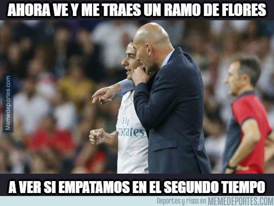 1087271 - Zidane tiene otra misión para Lucas Vazquez
