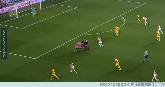 1089144 - Mientras tanto, en la defensa del Barça...