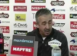 Enlace a Hoy hace 9 años, el difunto Manolo Preciado le dio a Mourinho una de las mejores respuestas del fútbol español. El portugues le acusó de 'regalar' un partido al Barcelona.
