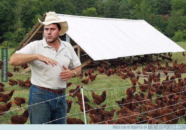 1091515 - Pochettino regresando a su granja en Santa Fe...