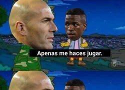 Enlace a Zidane con Vinicius ni come ni deja comer