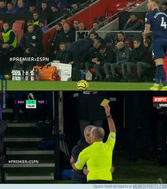 1094841 - Mourinho fue amonestado por espiar al cuerpo técnico del Southampton. Por cosas como estas regresó