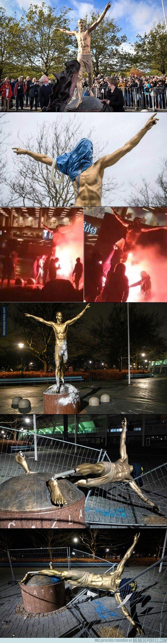 1095111 - La estatua de Zlatan finalmente ha sido derribada.