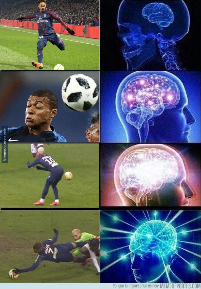 1096568 - Neymar y Mbappé reinventan la manera de pegarle al balón